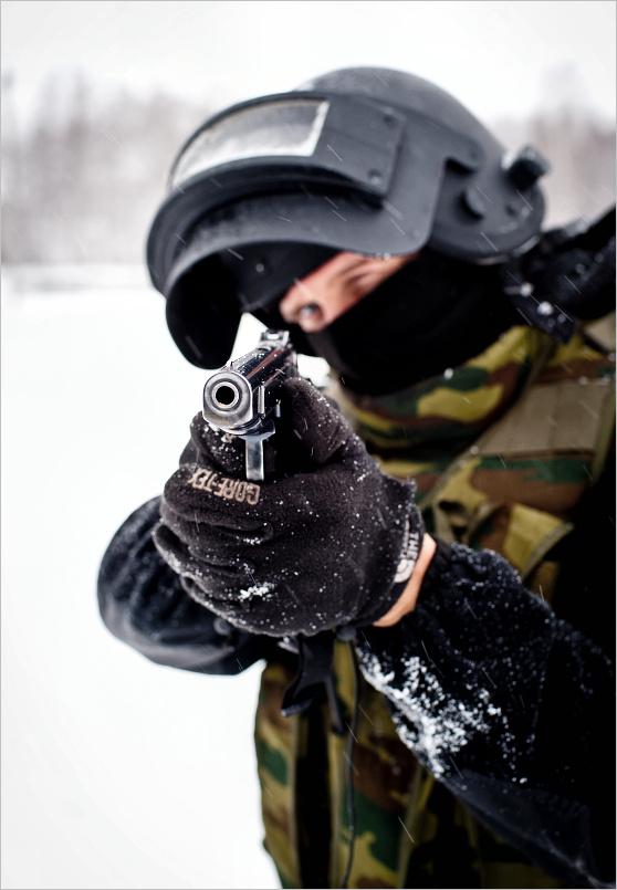Военные в маске фото на аву