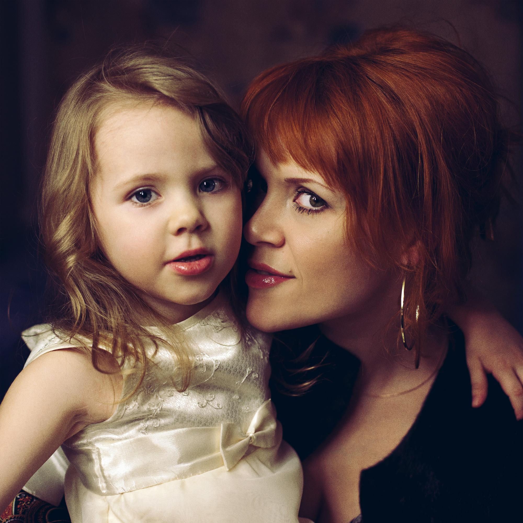 Рыжая дочь и 3 фотография